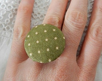 Adjustable dots fabric ring