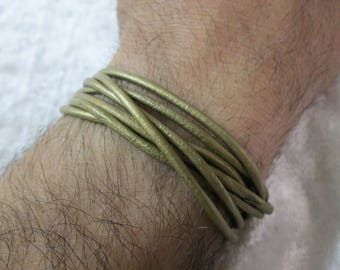 Mens womens Leather Wrap Bracelet,ladies leather bracelet,leather accessories,bracelets leather,wire wrapped around rolling strap bracelet