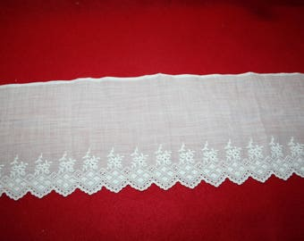 Vintage Embroidered Batiste Edging- Fragment