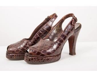 1940s platform pumps / Vintage alligator leather peep toe slingbacks / Palizzio / Mandels Fascinating Slippers 5