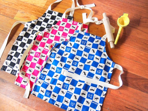 Child's Apron - Checkered Cats (Choose Your Color)