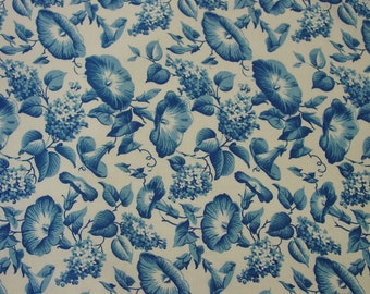 """Vintage Full Feedsack Fabric Beautiful Morning Glories in Blue and White Large 36 x 39"""""""