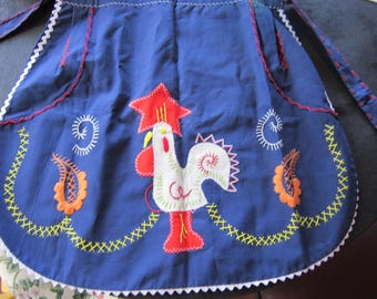 vintage apron rooster embroidered and applique
