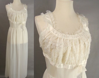 vintage 50s White Nightgown. Blue Swan Lingerie. Nylon and Lace. White Bridal Lingerie. Honeymoon Nightie. size 38 M L 10 to 12