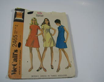 Vintage 70s McCalls Misses' Curved Front Front Seam A Line Dress in 3 versions Size 14 Bust 36