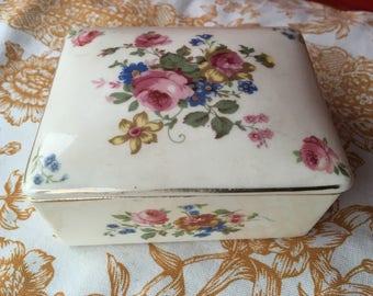 Vintage trinket jewelry box ceramic flowers and gold trim