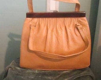 1960s Camel Lucite Handbag / Excellent Condition Lucite Frame Purse