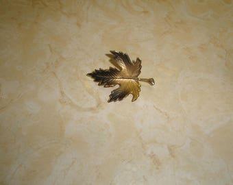 vintage pin brooch goltone leaf