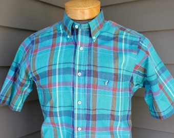 vintage 1980's -Flying Scotsman- Men's short sleeve - button down collar shirt. Vibrant Madras plaid - All cotton. Medium