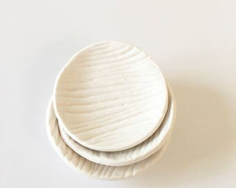 LITTLE BITS Porcelain Wood Grain Plates