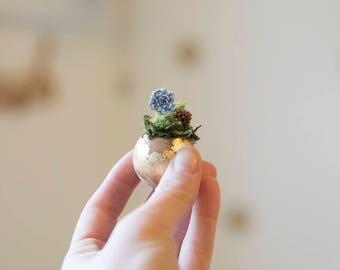 Gold specks Wooden Planter Magnet with miniature figurine, desk decoration, fridge magnet
