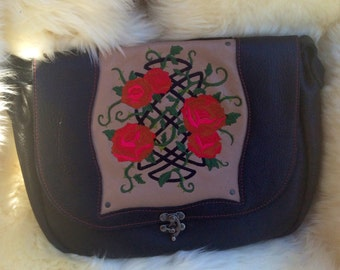 Rose Trellis Messenger Bag