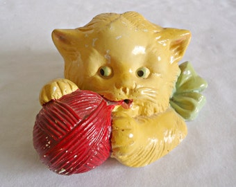 Vintage Chalkware Stringholder Cat Kitten With Ball of String Holder 1940's