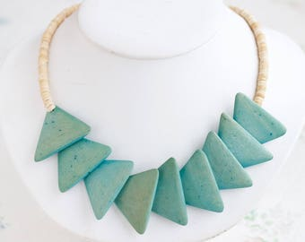 Turquoise Short Necklace - Green and Beige Triangles - Wooden Summer Boho Jewelry