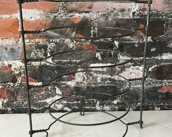 Vintage Farmhouse Wire Pie Rack Metal Pie Cooling Rack