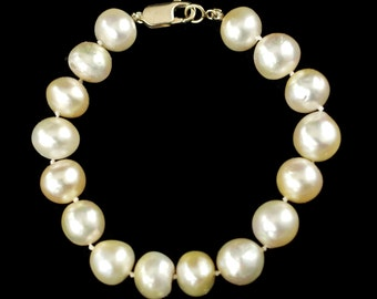 Vintage Hand Knotted 10.5mm - 11mm Cultured Pearl Bracelet with 14kt Yellow Gold Clasp