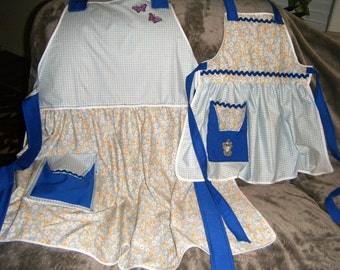 Matching Aprons for Grandma and Child