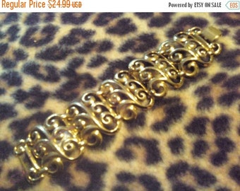 Beautiful Wide Bracelet Goldtone Metal Vintage Very Ornate Design 1960s Hollywood Regency Mad Men Mod Mid Century Rockabilly Vintage Jewelry