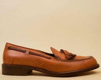 80s 90s Vtg COLE HAAN Italy Honey Brown Genuine Leather Tassle Slip On Loafer / Low Chunky Platform Heel Flats Minimalist Boat Shoe 6 Eu 36