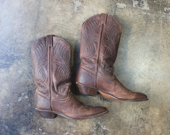 8 1/2 M / Cowboy Boots / Women's Brown Leather Western Boots /  Vintage Shoes