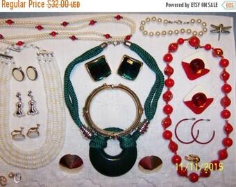 EVERYTHING 20% OFF, Vintage jewelry (Lot 124). Big and medium.