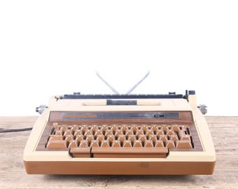 Vintage Working Electric Typewriter / Smith Corona Super Sterling Electronic Typewriter / Beige Retro Typewriter / Old Office Decor
