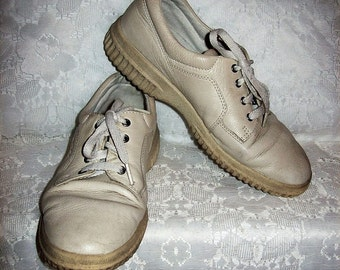 Vintage Ladies Beige Leather Oxfords Tennis Shoes by Ecco Size 38 Only 5 USD
