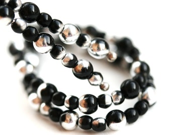 Black and Silver beads mix, 4mm 3mm Round druk Czech glass small spacers - approx.150Pc - 2227