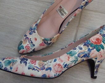 80's 90's FLORAL KITTEN HEELS town & country pumps 7 N