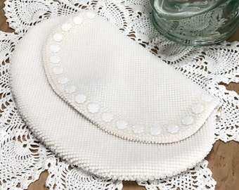 Vintage White Beaded Purse. Designer GoldCo Beaded Handbag. Hong Kong White Beaded Vintage Purse, White Seed Pearl Handbag, Beaded Panel.