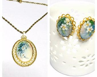 Victorian Flower Pendant and Earring set, Art Deco, Gold Tone Filigree, Clearance S A L E, Item No. B778