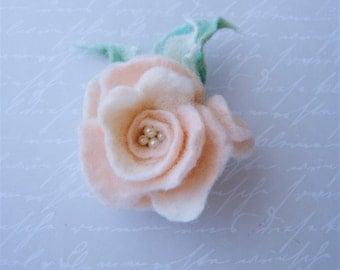 Felted flower brooch. Pink Rose flower. Vintage style.. Felt flower pin,Felted wool flowers. Felt brooch. wool flowers. Gift for her