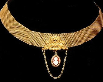 """Victorian Cameo Choker Necklace Gold Mesh Repousee Pendant Hook Clasp 15.5"""" Vintage"""