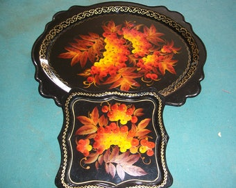 Russian Tray Folk Art Hand Painted Berries and Leaves on Lacquered Trays..Set of Two..Shiny Black Lacquer Trays..Oranges and Browns on Black