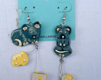 Tiger Lily Vintage Jewelry -Wooden Earrings - Handmade In Bali- Mouse Mice Cheese