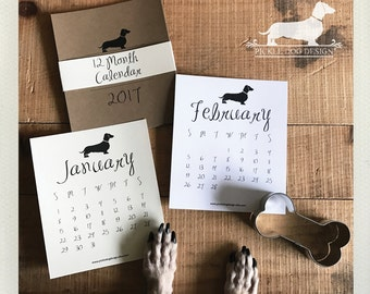 Year of the Doxie. 2017 Desktop Calendar -- (Vintage-Style, Dachshund, Weiner Dog, Monthly Calendar, Rustic, Simple, Unisex Gift Under 15)