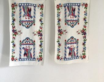 Vintage Tea Towels, Set of Kitchen Towels, Vintage Table Linens, Vintage Print Towels
