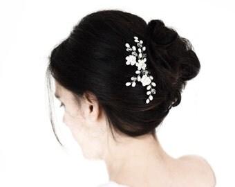 672_Silver hair pin, Flowers hair pin, Crystal hair pins for bride, White pearls hair pin, Wedding hair accessories, Ivory flower hair pin