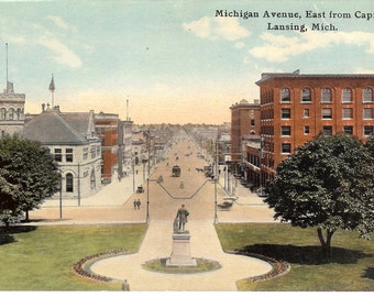 Vintage Postcard...Michigan, Lansing, Michigan Avenue, East from Capitol...Unused..no. MI0002