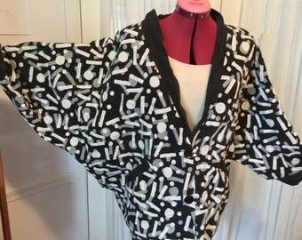 80s or 90s batwing reversible oversized blazer jacket black and white geometric pattern large