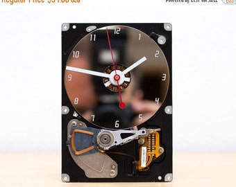 Desk clock - recycled Computer hard drive clock - HDD clock - gift for dad - unique gift for him - c5792