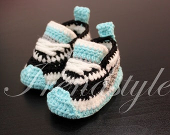 MADE TO ORDER  Crochet baby sneakers, crochet baby booties, crochet baby shoes,