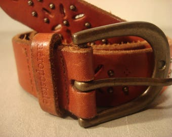 Boho 1990s Vintage Tan Leather Stud Horse Shoe Shaped Buckle Belt