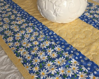 Daisy Table Runner Quilt, Daisies Quilt, Blue, Yellow, White, Spring Table Topper Quilt, Handmade Table Runner Quilt