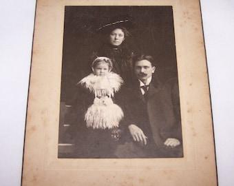 "Familia antigua Vintage antigua victoriana fotografías 8 ""x 6"" principios de 1900 estudio Grand St. Louis, Missouri"