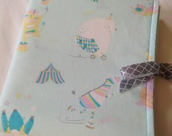 Waterproof diaper changing mat w/ pockets