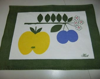 Vintage Swedish One Hand printed placemats in heavy cotton - Autumn - Apple and Plums