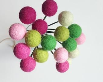 Felt billy balls, billy ball flowers, felt ball flowers, felt ball bouquet, felt craspedia, pom pom flowers, alternative bridal bouquet