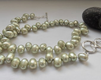 Pearl jewelry freshwater pearl necklace mint green pearls cheerful young pearl collier pearl present birthday present  green pearl necklace