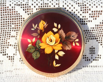 FREE SHIPPING Beautiful Vintage Stratton Convertible Powder Compact Mirror with Pretty Floral Design Red Enamel Unused and Boxed